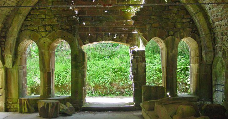 Klosterruine Allerheiligen - nach der Auflösung des Klosters verfielen die Bauten und wurden als Steinbruch genutzt.