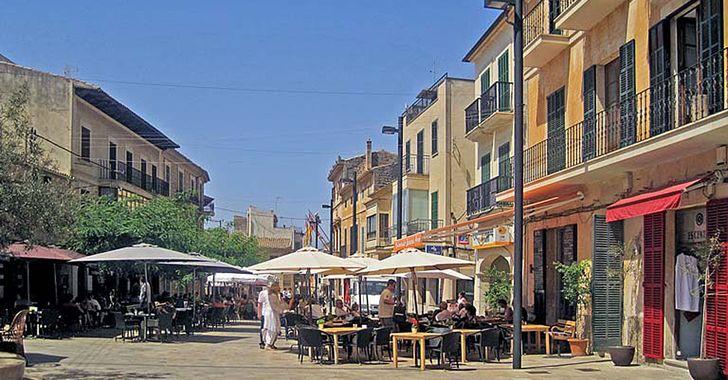 Mallorca - Santanyí, Blick auf den Marktplatz